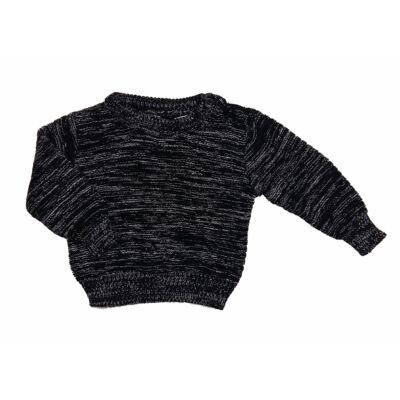 Fekete-fehér pulcsi (62)