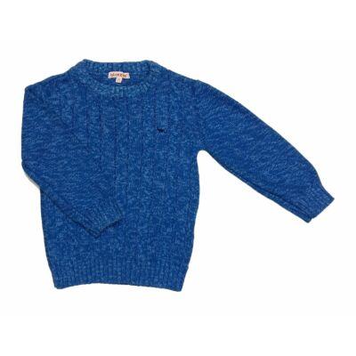 Kék pulcsi (98)