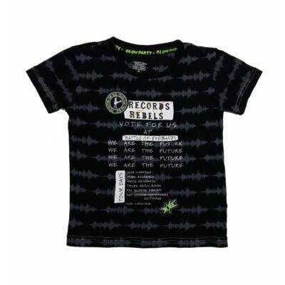 Fekete írásos póló (116)