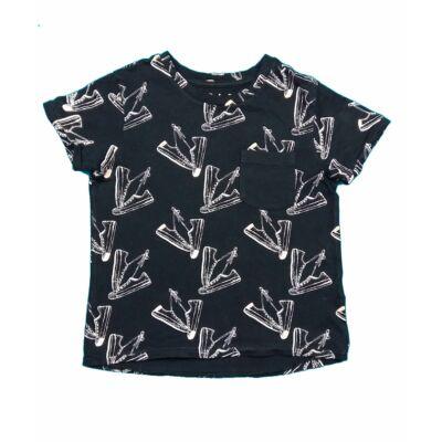 Fekete tornacipős póló (104)